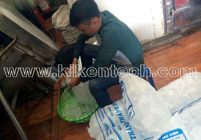 Lắp đặt máy sản xuất đá viên 7 tấn ở Hà Nội | báo giá lắp đặt máy sản xuất đá viên, lắp đặt máy làm đá viên mini. Lắp đặt máy sản xuất đá viên chất lượng