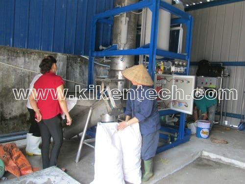 Lắp đặt máy sản xuất đá viên