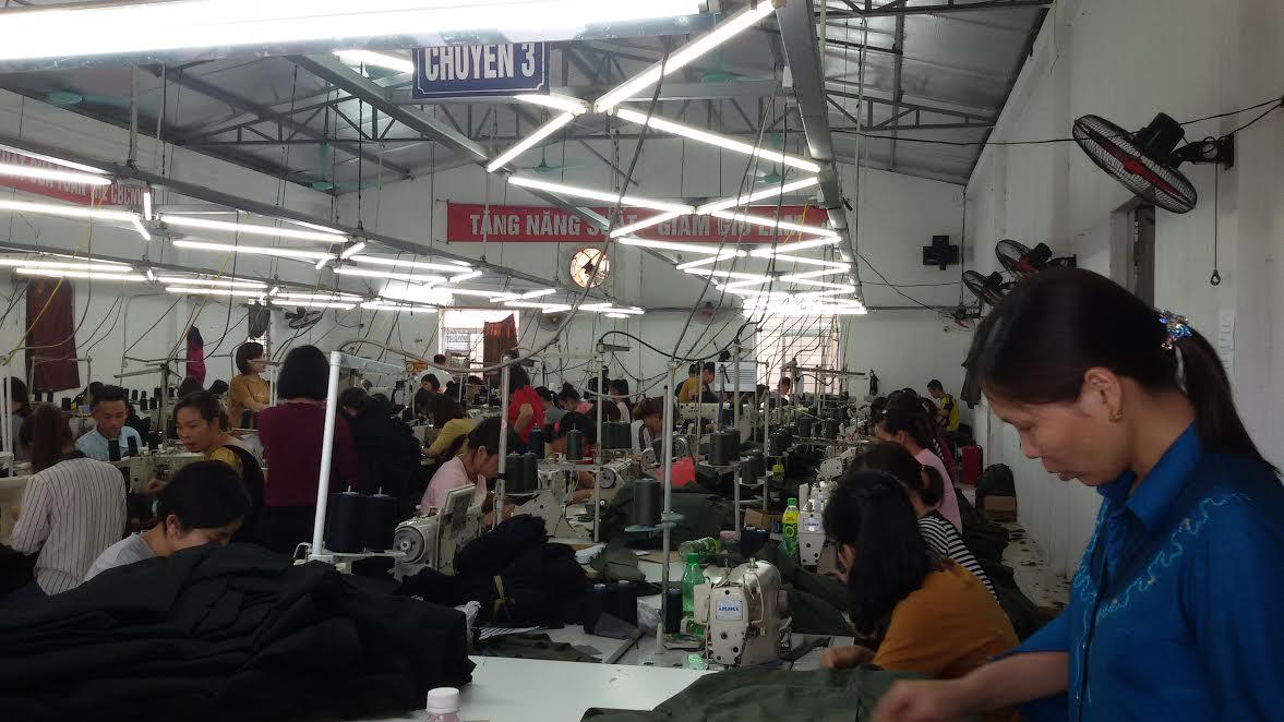 Lắp đặt hệ thống làm lạnh công nghiệp cho xưởng may tại Nam Định. Lắp đặt kho mát, lắp đặt phòng mát, hệ thống làm lạnh công nghiệp. Lắp đặt phòng mát