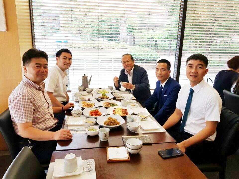 Hình ảnh Ban lãnh đạo Kikentech ký kết hợp đồng tại Hàn Quốc