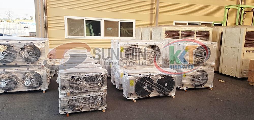 Trong khoảng thời gian nghỉ Tết âm lịch tại Việt Nam, một số nhân viên Sungjin đã quay trở về Hàn Quốc thăm gia đình, người thân và nhà máy của mình. Hình ảnh máy móc công nghiệp Sungjin tại nhà máy sản xuất. Mua máy móc kho lạnh chất lượng cao, bền khỏe, giá rẻ tại Kikentech. Liên hệ 0944.899.886