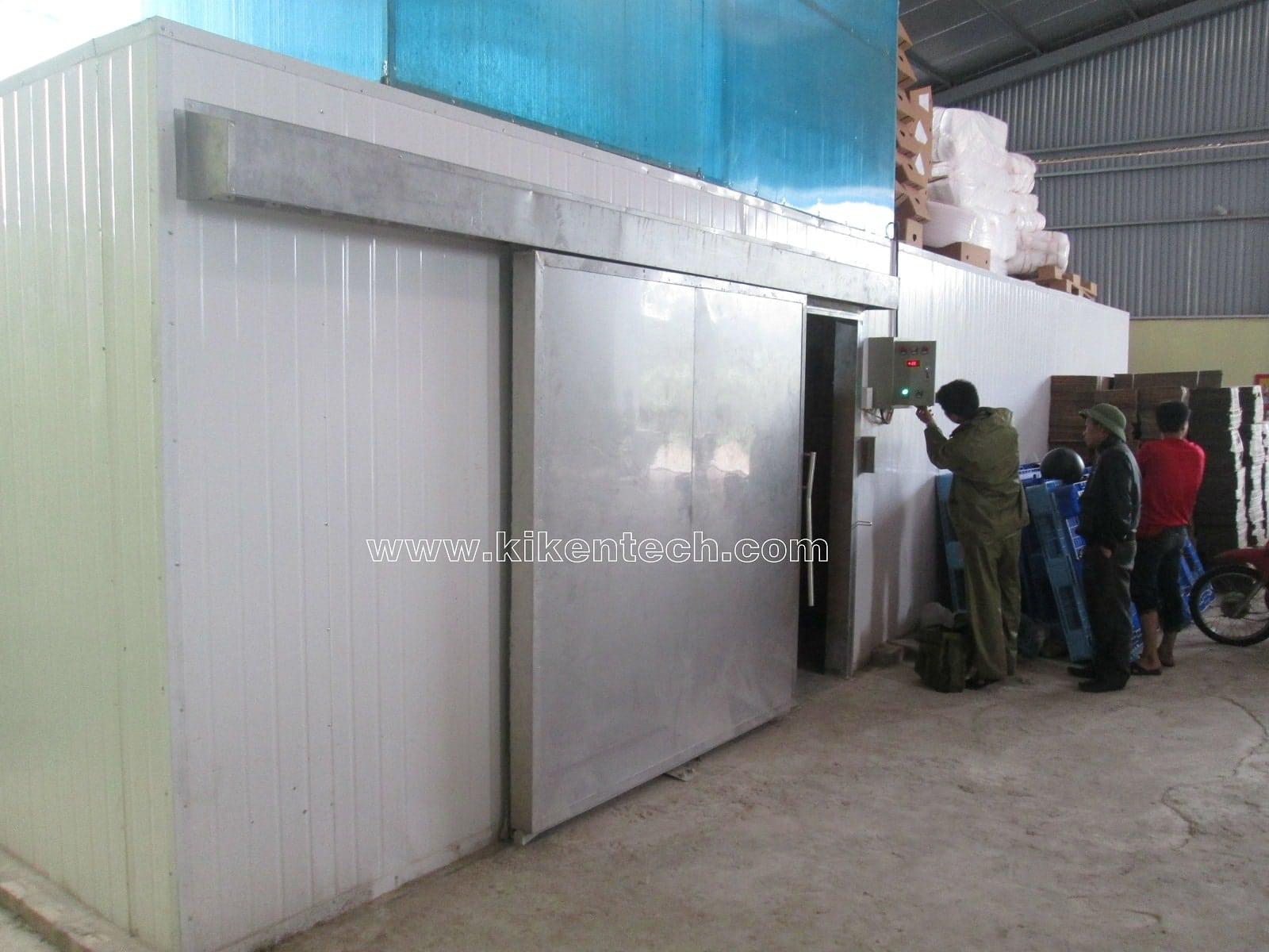 Kikentech là đơn vị lắp đặt kho lạnh bảo quản uy tín nhất Việt Nam. Cửa trượt kho lạnh bảo quản được thi công lắp đặt tỷ mỉ. Thi công lắp đặt cửa kho lạnh.
