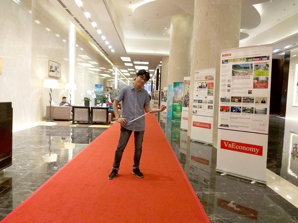Hội thảo giới thiệu sản phẩm Sungjin đang đến gần, mọi thứ được công ty Kikentech chuẩn bị chu đáo từ a - z. Để chắc chắn hơn trong buổi hội thảo diễn ra tốt đẹp, chúng tôi đã đến khảo sát phòng hội thảo tại khách sạn JW Marriott. Khảo sát khách sạn Marriott, khảo sát phòng hội thảo giới thiệu sản phẩm Sungjin.