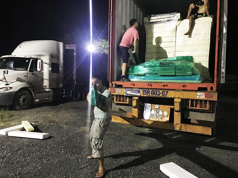 Công ty Kikentech tập kết panel kho lạnh, vỏ kho lạnh Hàn Quốc để chuẩn bị thi công dự án lắp đặt kho lạnh công nghiệp ở Hòa Lạc - Hà Nội