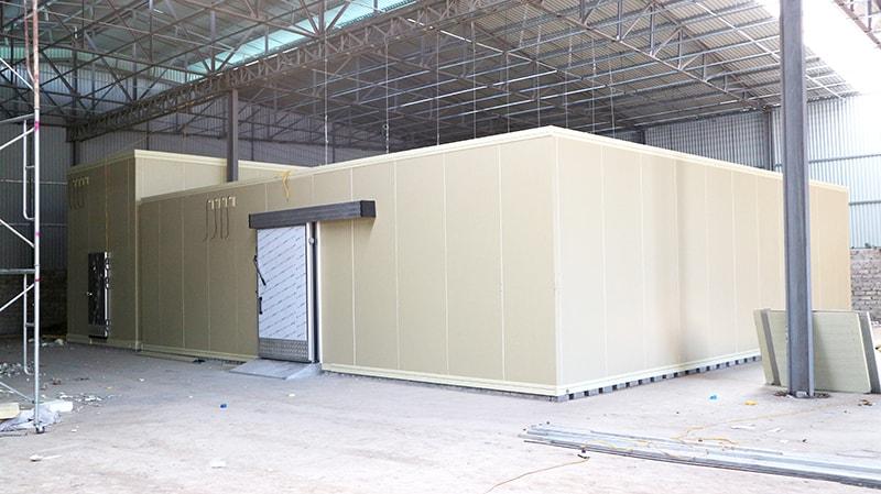 Lắp đặt kho lạnh giá rẻ cần lựa chọn mua máy móc kho lạnh, vật tư kho lạnh giá rẻ. Ngoài ra còn lựa chọn nhà thầu lắp đặt kho lạnh uy tín chất lượng để làm